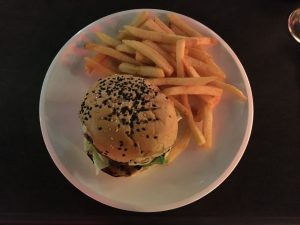 bobbys-burger-full-plate